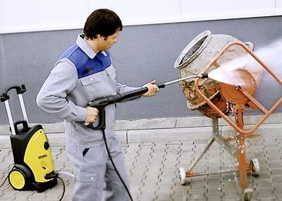 Очистка барабана бетономешалки гидравлическая