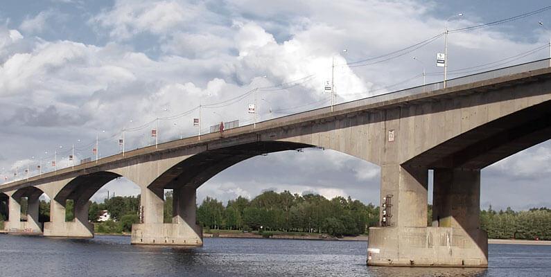 Применение бетона М-600 для строительства опор мостов