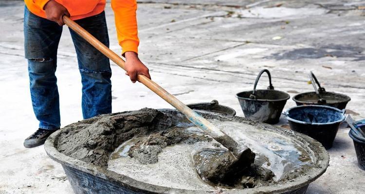 Замешивание бетонной смеси