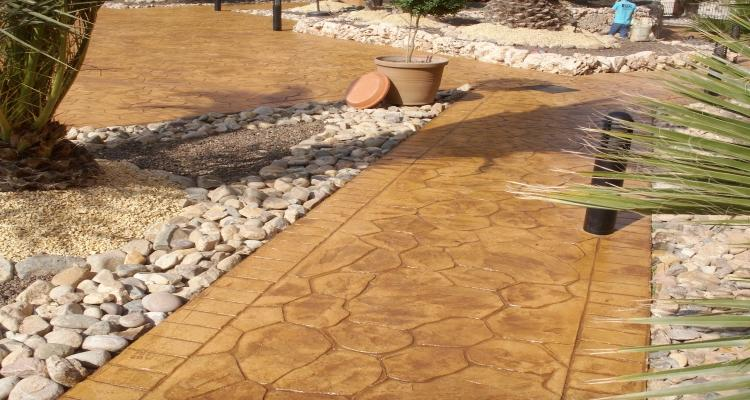 Декор бетонной дорожки