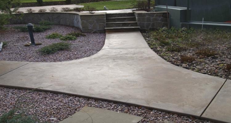 заливка дорожки бетоном