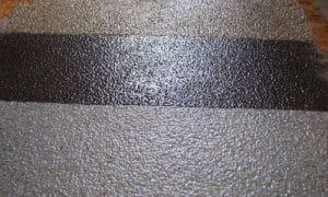 Резиновая краска придает покрытию высокую эластичность