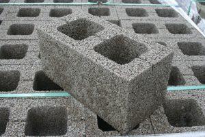 Блок из керамзитобетона