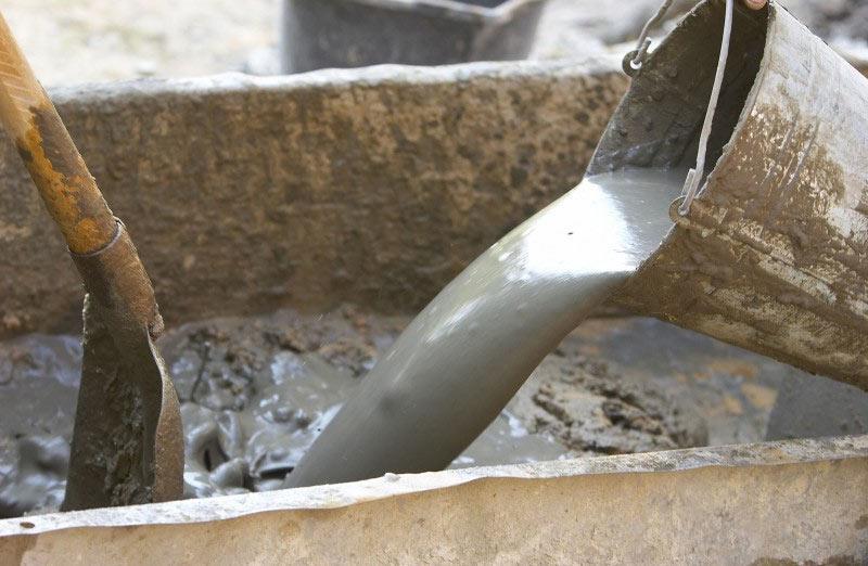 допускается ли заливать бетон в дождь