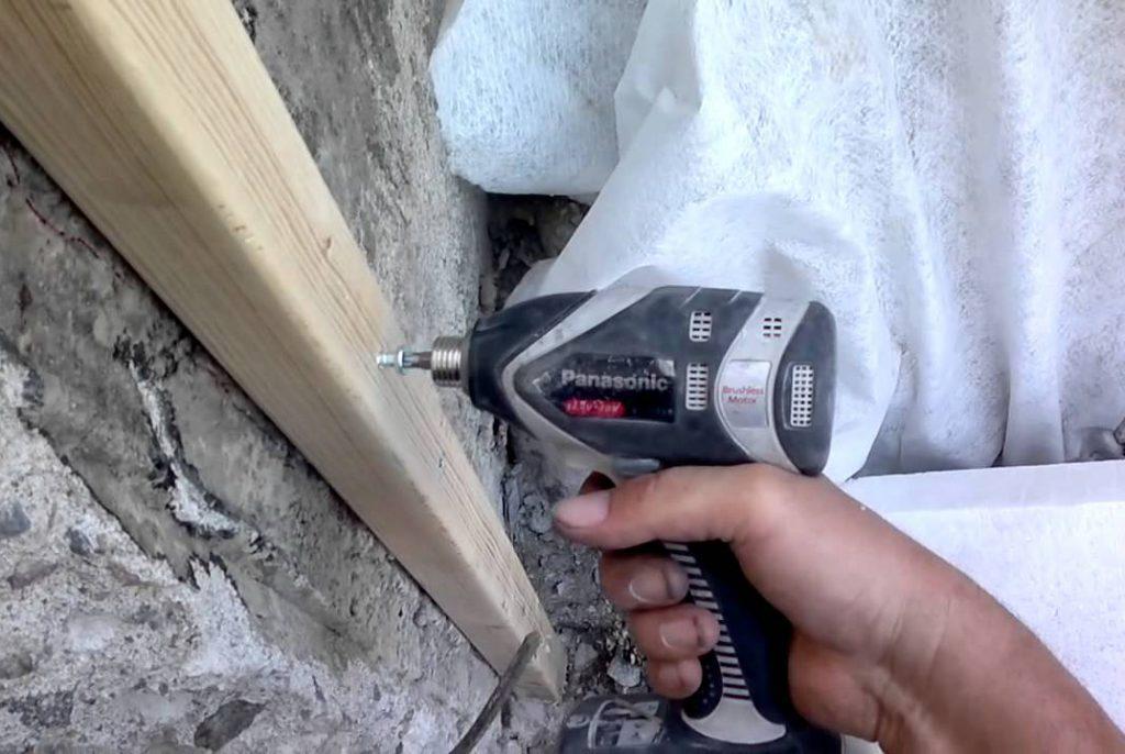 как применять нагель по бетону