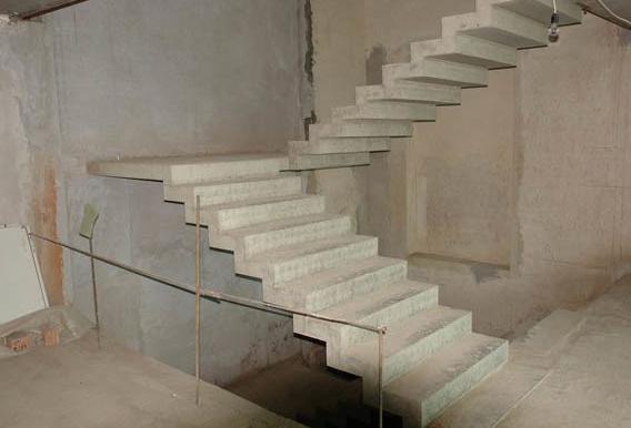 маршевые монолитные лестницы
