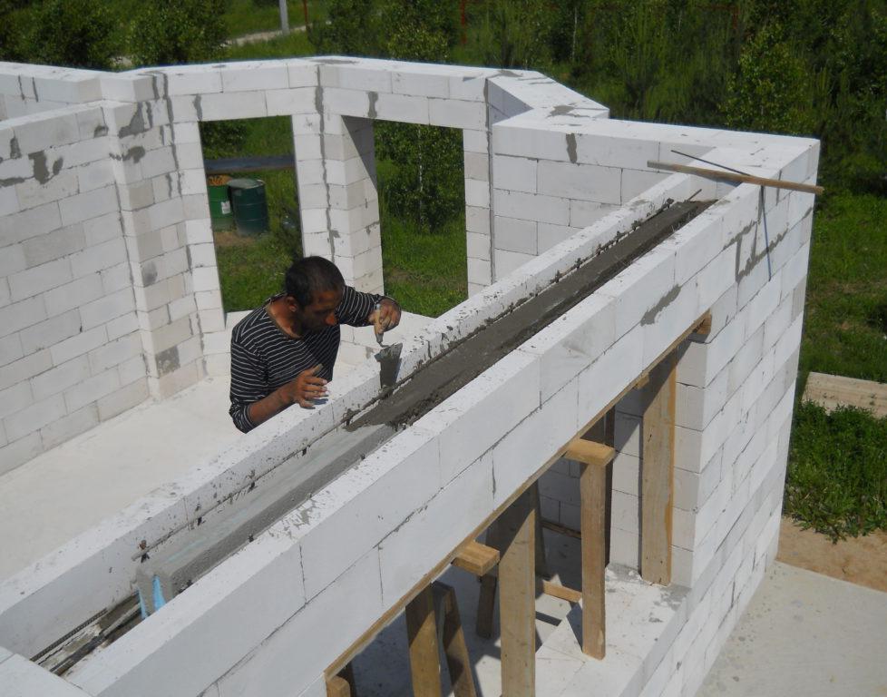 заливка бетона в газобетонную перемычку