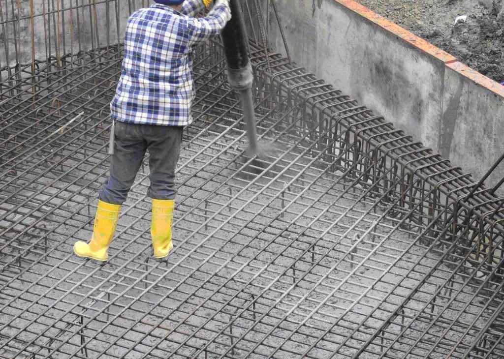 заливка бетоном м550