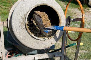 Бетономешалка для замеса бетонной смеси