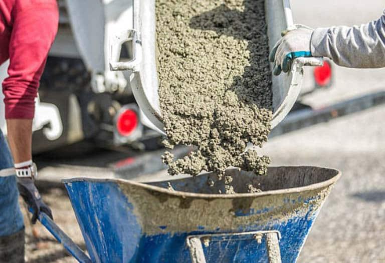 какая добавка в бетон лучше