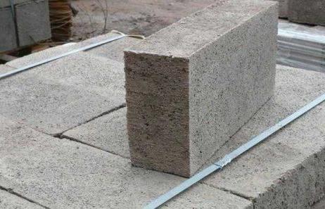 полнотелый пескоцементный блок