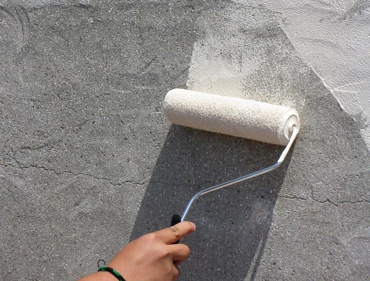 правильная покраска бетонной стены