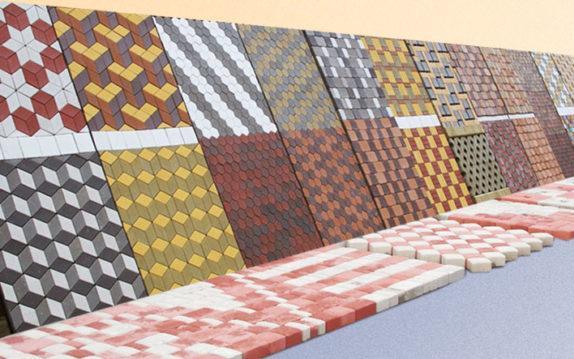 разнообразие вариантов укладки тротуарной плитки