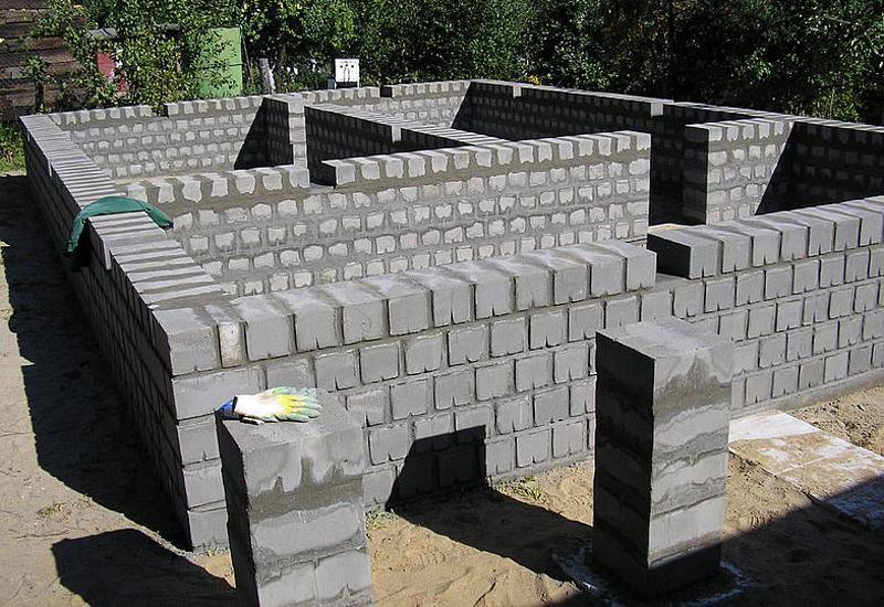 строительство из пескоцементных блоков