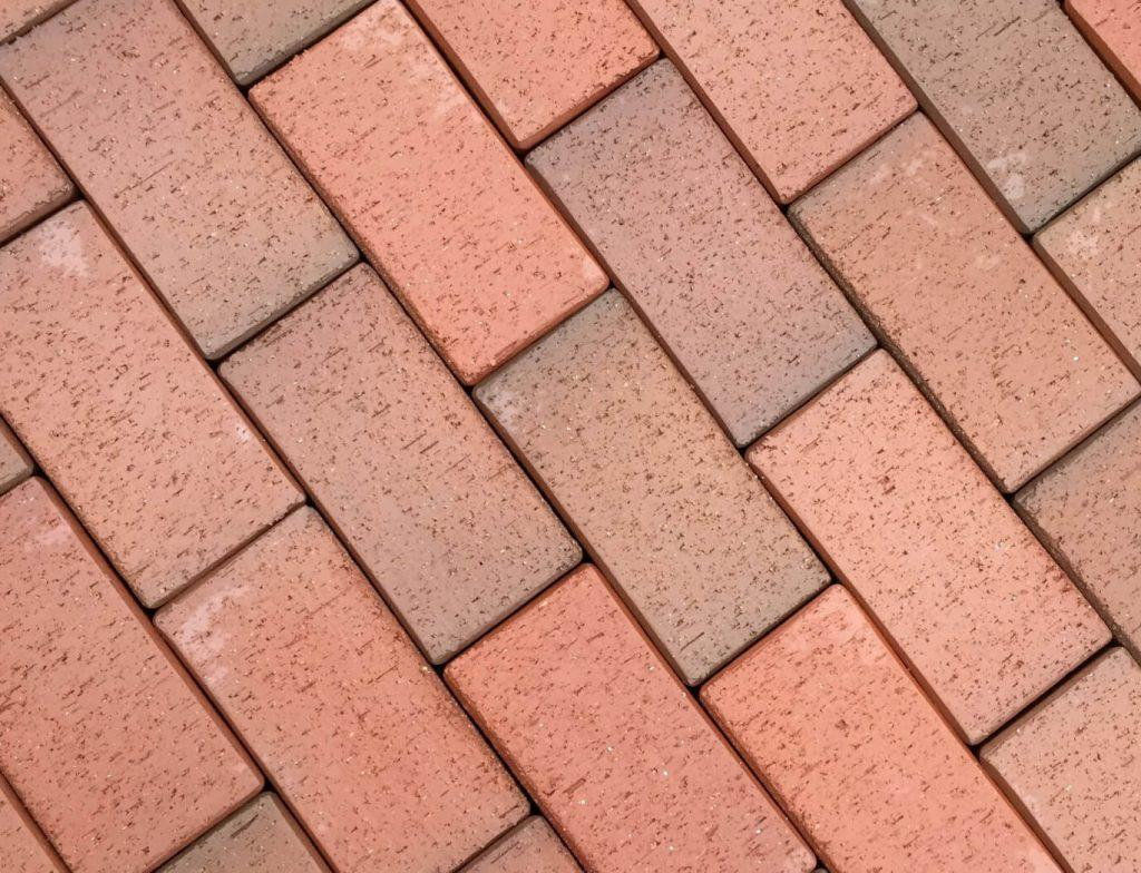 бетонная тротуарная плитка кирпичик красного цвета