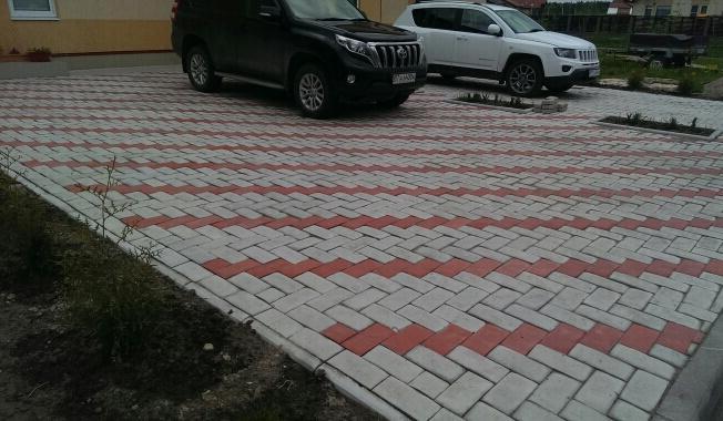 как кладут тротуарную плитку под авто