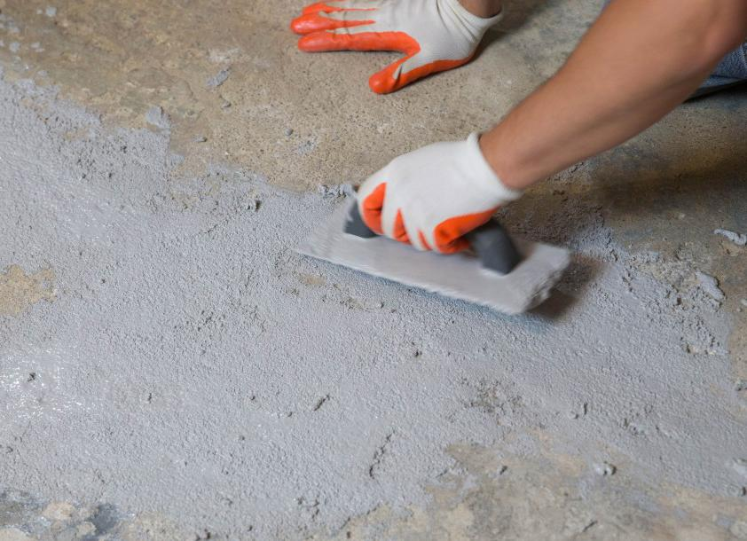 какую смесь выбрать для ремонта бетонного пола