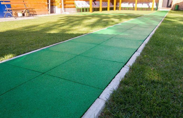 покрытие из тротуарной плитки из резины