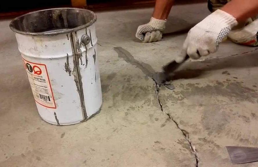 работа с трещинами в бетонном полу