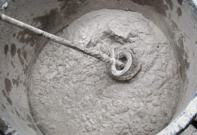замес бетона с пластификатором