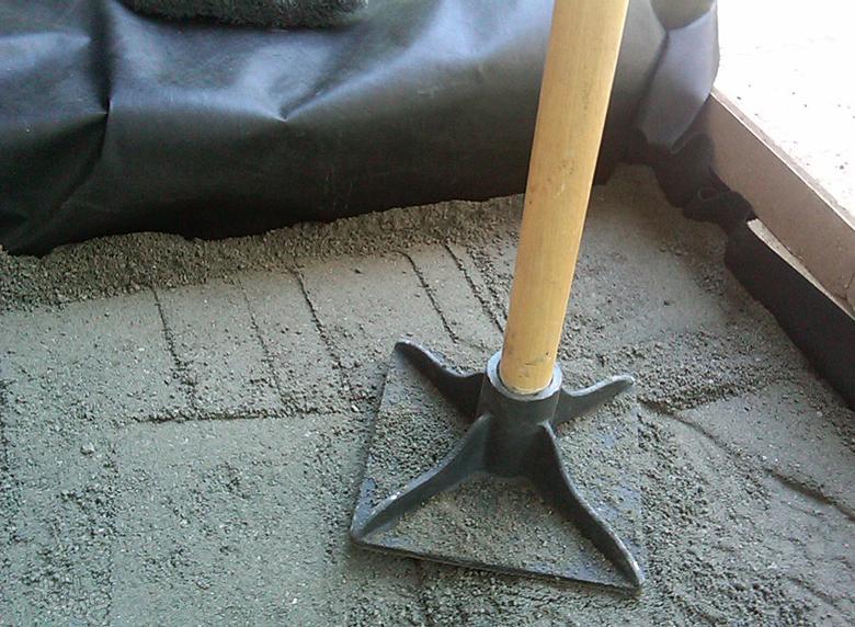 как класть на бетон тротуарную плитку