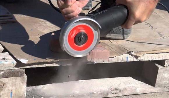 как резать тротуарную плитку болгаркой