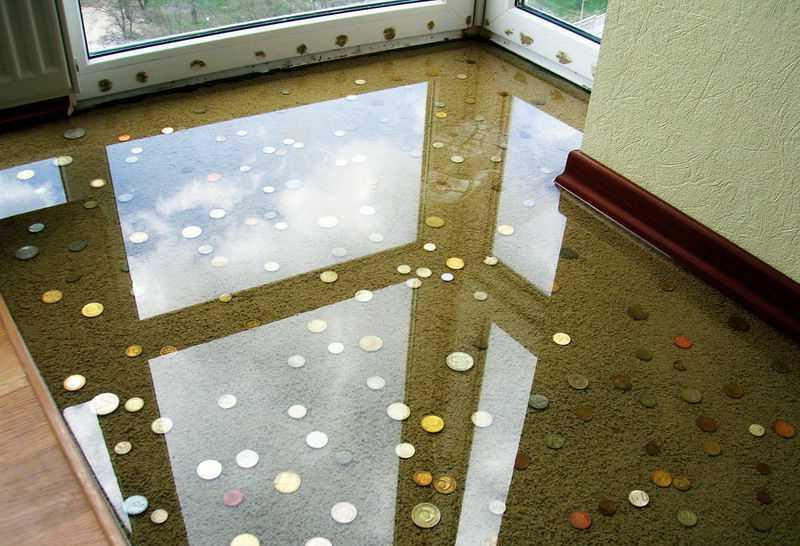наливной пол с монетками