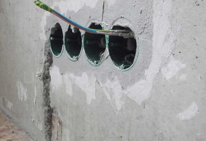 правильный монтаж подрозетников в бетонную стену