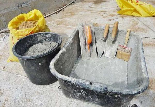 самостоятельное приготовление цементно-песчаной стяжки