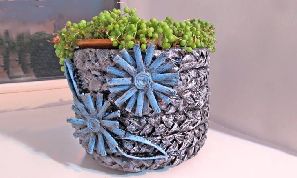 декорирование бетонной вазы