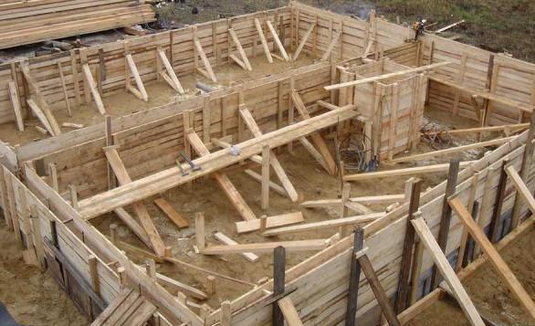 деревянная опалубка для бетонного дома