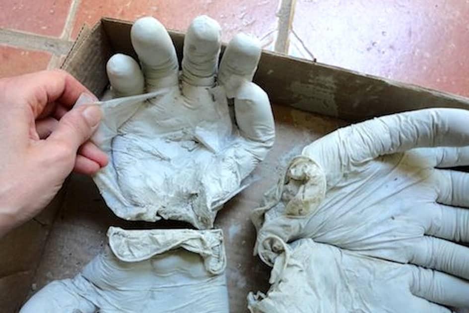 формы из перчаток