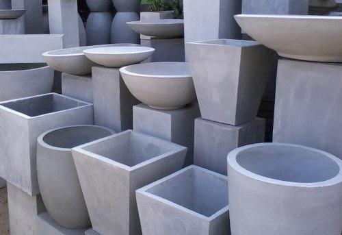 какие бывают бетонные клумбы