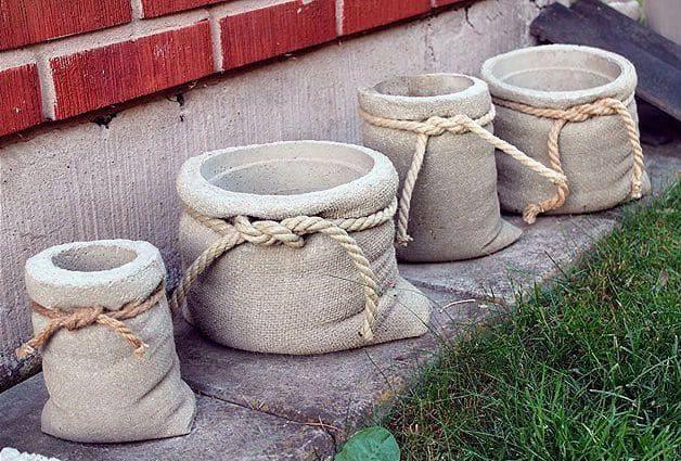 необычные бетонные вазы из мешка