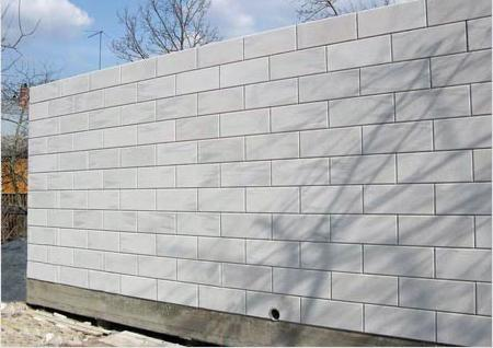 стена из пенобетона особенности