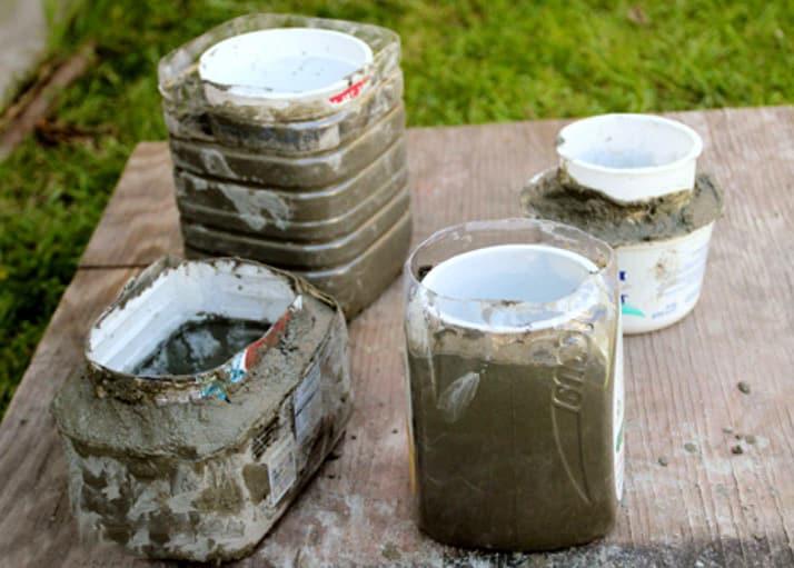 в чем заливать вазоны бетоном