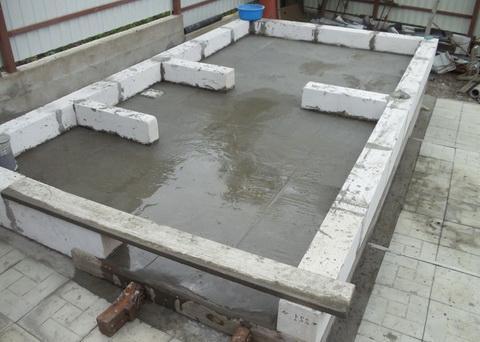 заливка фундамента для бани из газобетона