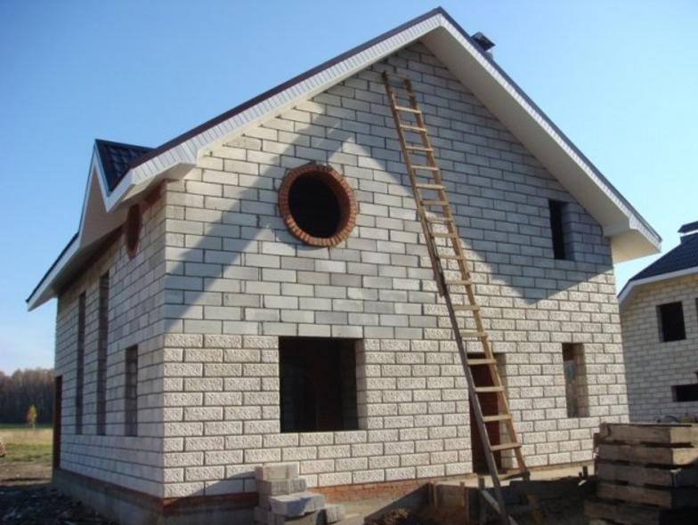 из какого газобетона строить дом