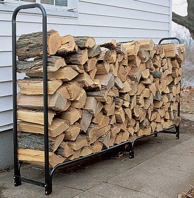 подготовка дров перед кладкой дома