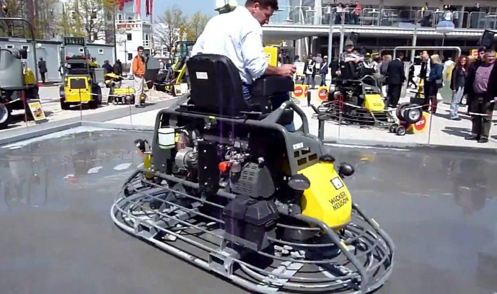 самоходная затирочная машина по бетону