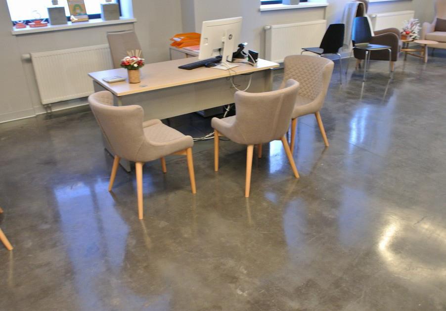 упрочненный зашлифованный бетонный пол