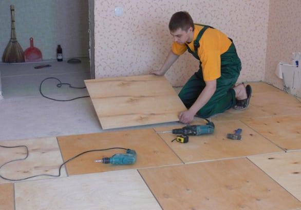 выравнивание бетонного пола фанерой