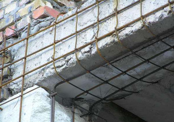 как усилить конструкцию из бетона