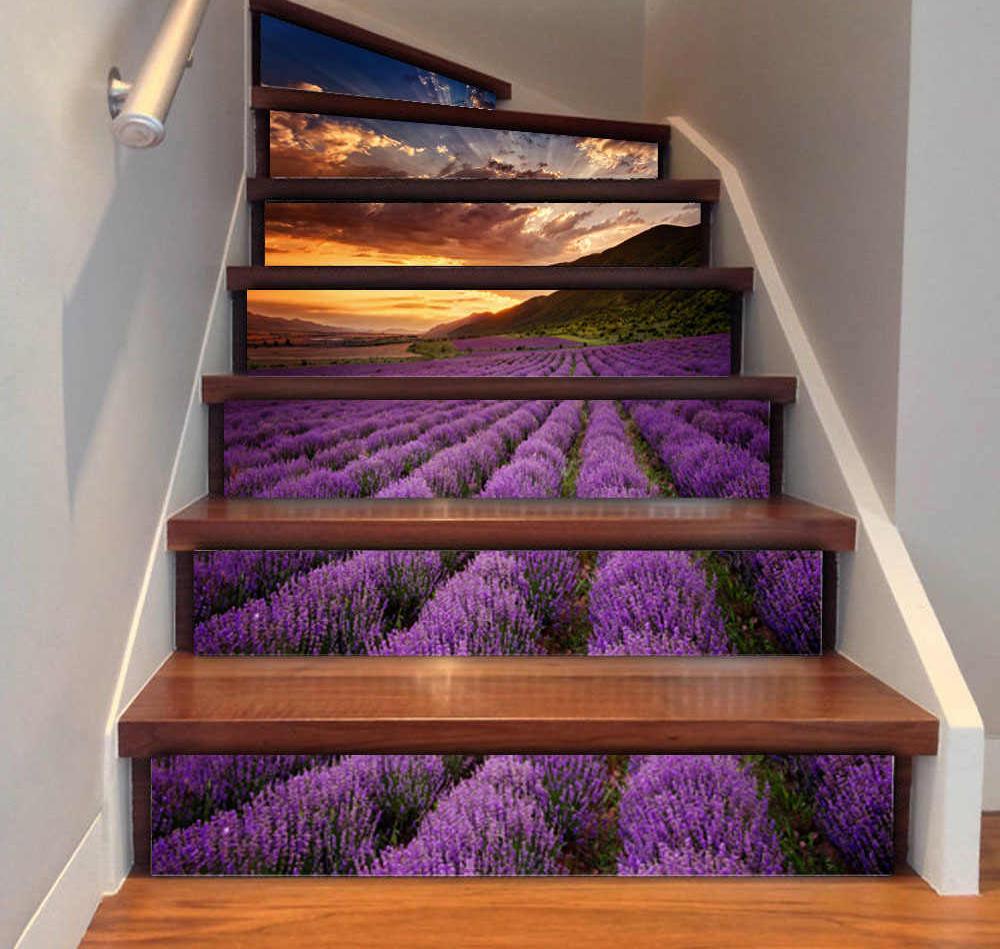 необычная лестница с рисунком