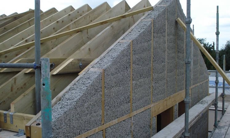 крыша дома из арболита
