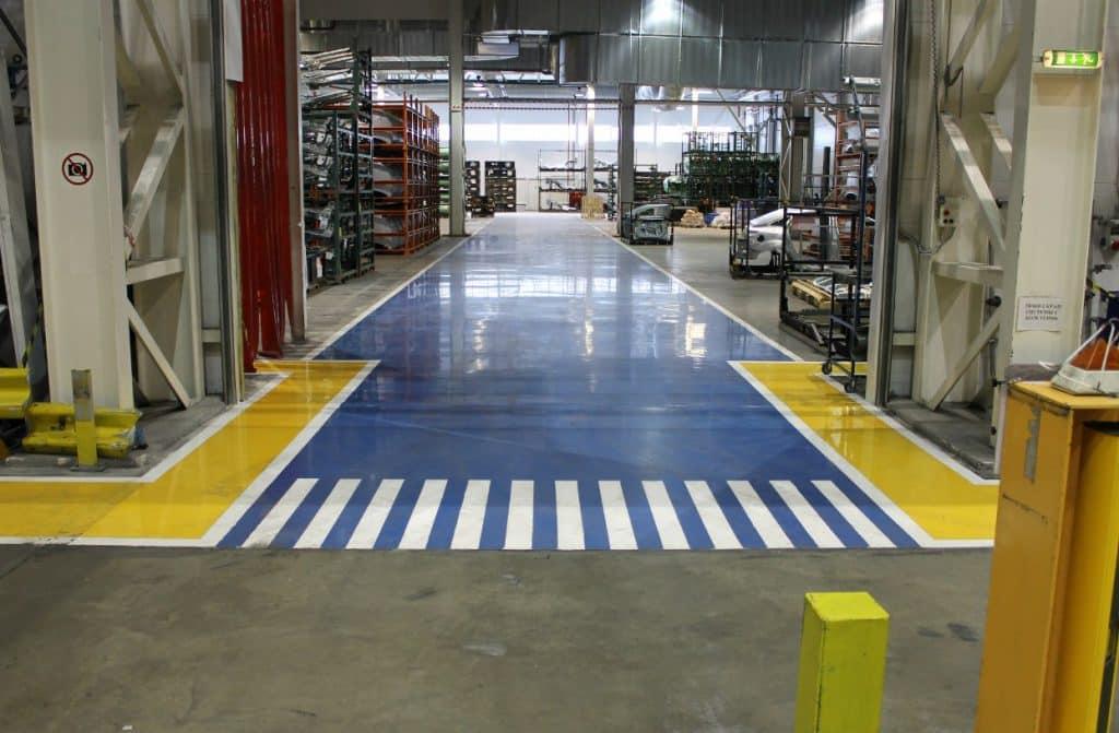промышленный бетонный пол с окраской