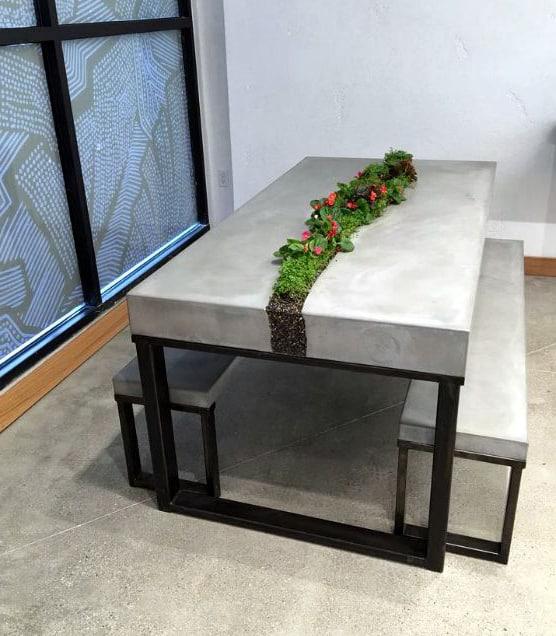бетонный стол и стул