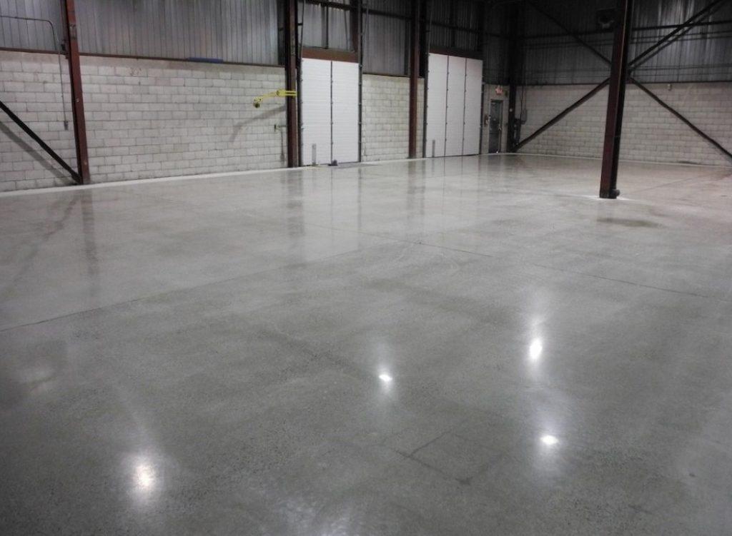 Способы обеспыливания бетонного пола