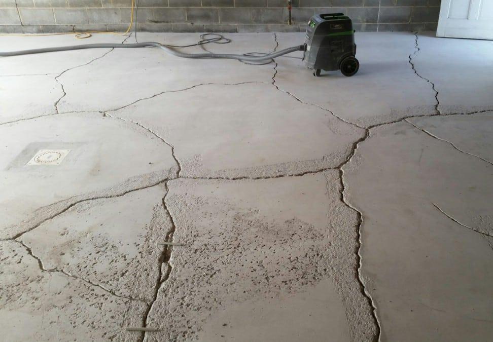 когда становится необходим ремонт бетона