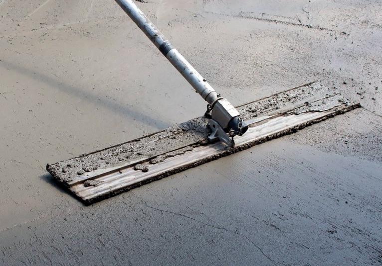 чем и как шпаклевать бетонный пол